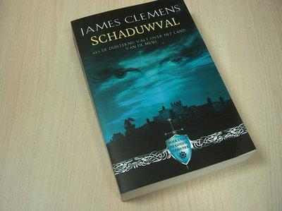 Clemens, J. - De Kronieken van de Godengebieder 1 Schaduwval / als de duisternis valt over het l