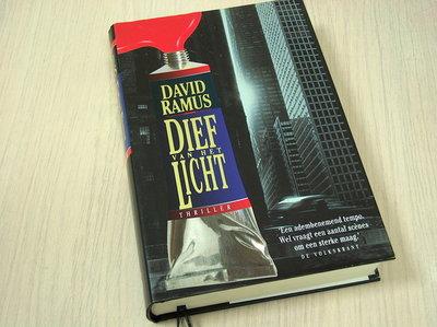 Ramus, Davis - Dief  van het licht
